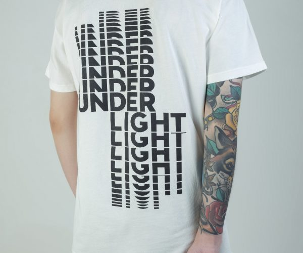 Camiseta under light typo 01, blanca, street wear, camiseta, hype, urbano, t shirt, ropa, bogota, colombia, compra online, original-13